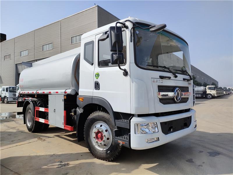 国六10吨普货罐车 东风D9大多利卡11.9方普通液体运输车