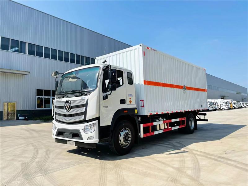楚胜牌CSC5180XZWB6型福田欧航厢长6.8米杂项危险物品厢式运输车图片