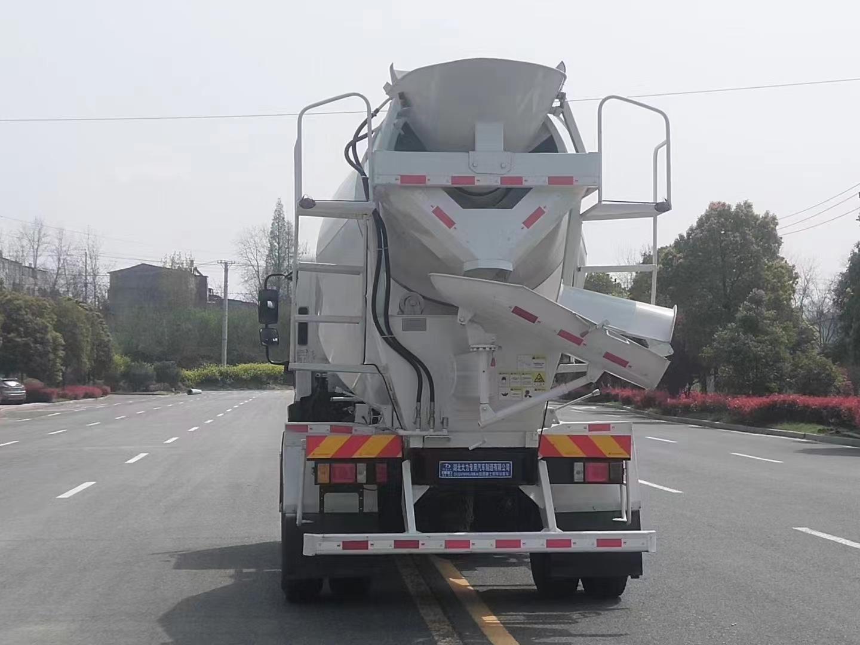 国六福田瑞沃5.5方搅拌车图片