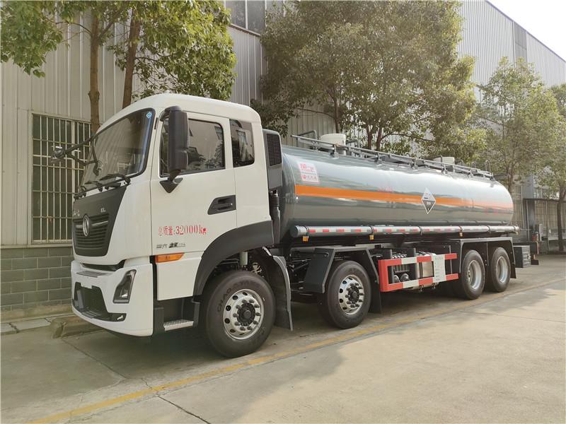 钢衬塑运输罐车,8类化工液体罐车 氢氯酸化学品液体运输车视频