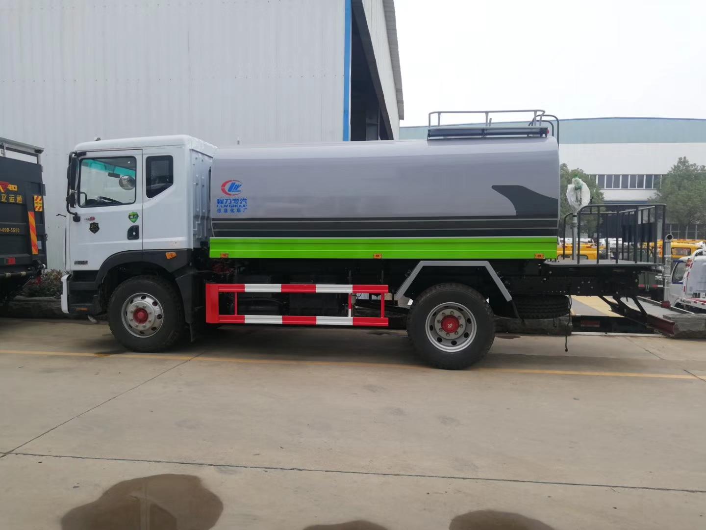 绿化洒水车图片