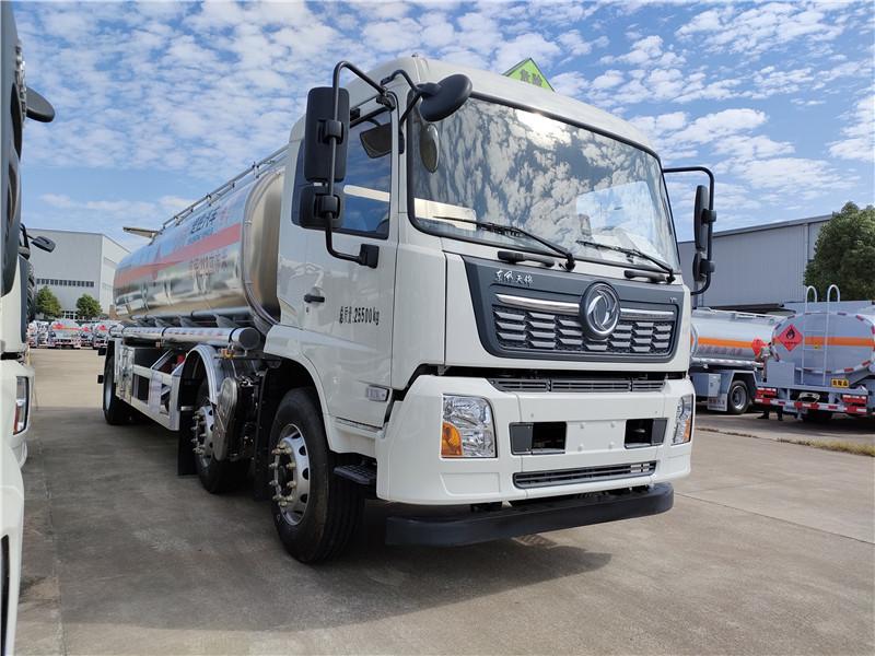 国六18吨东风天锦小三轴铝合金油罐车 21.2方铝合金运油车视频