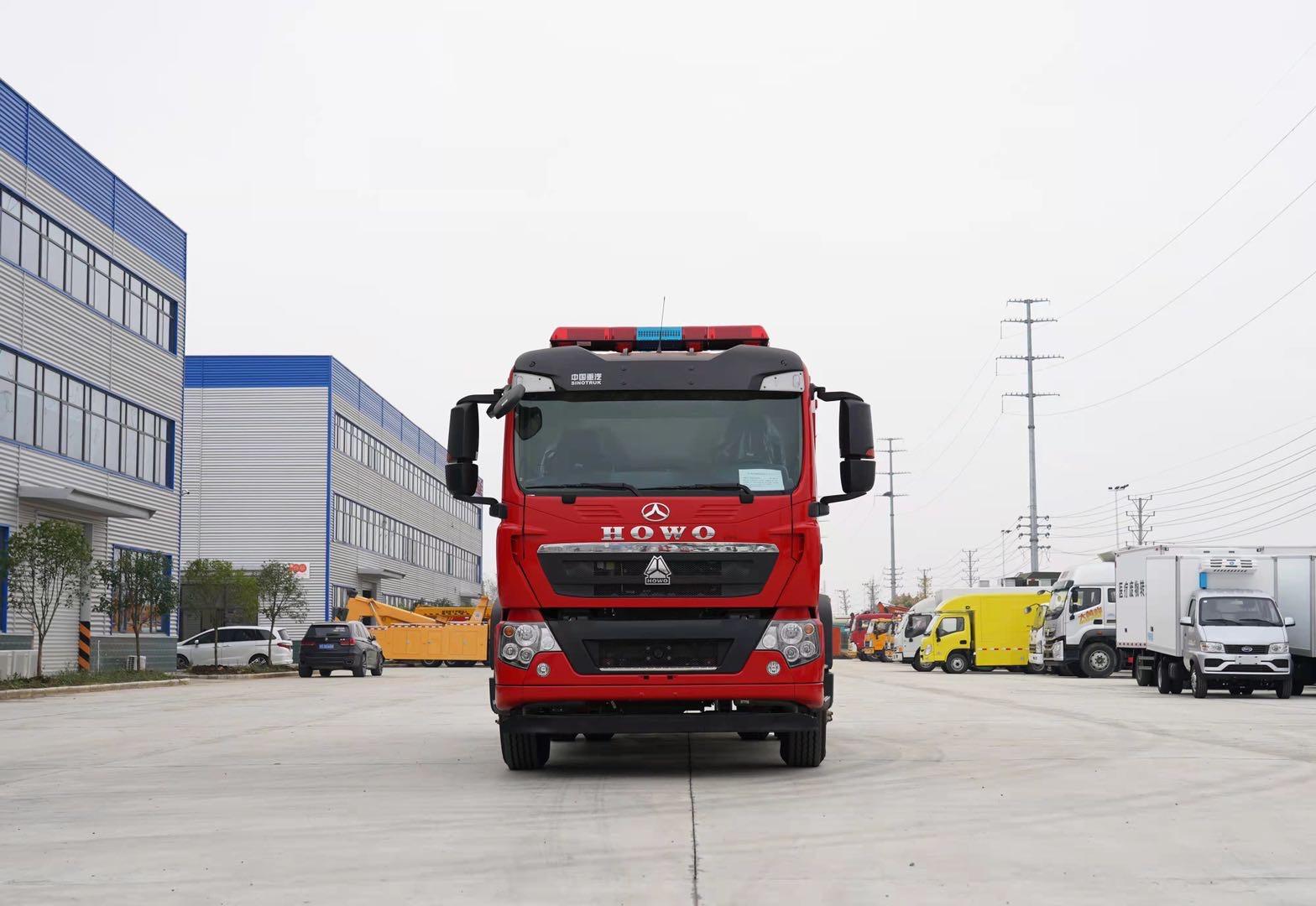国六重汽8方泡沫消防车图片