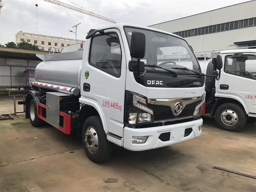 国六东风3.2方蓝牌普货供液车C照开的加油车照片图片