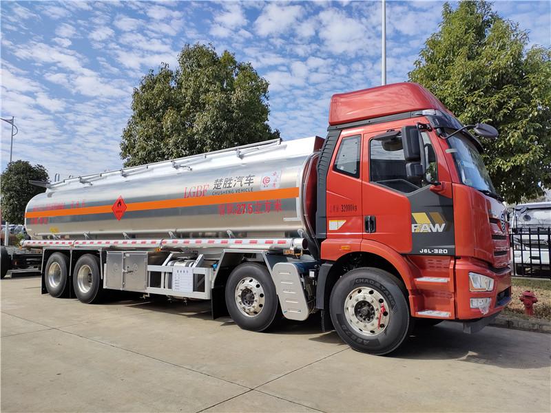 21吨原油罐式运输车 国六解放27.5方铝合金易燃液体运输车图片