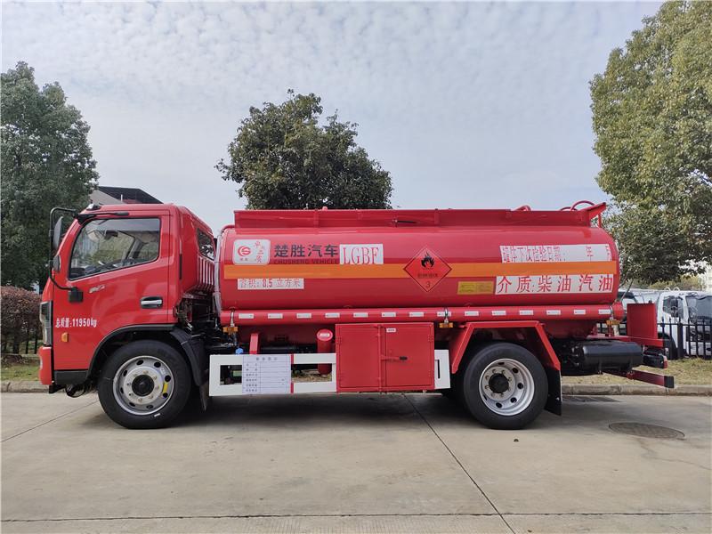 中国红国六东风福瑞卡8吨加油车厂家 额载6.7吨油罐车视频视频