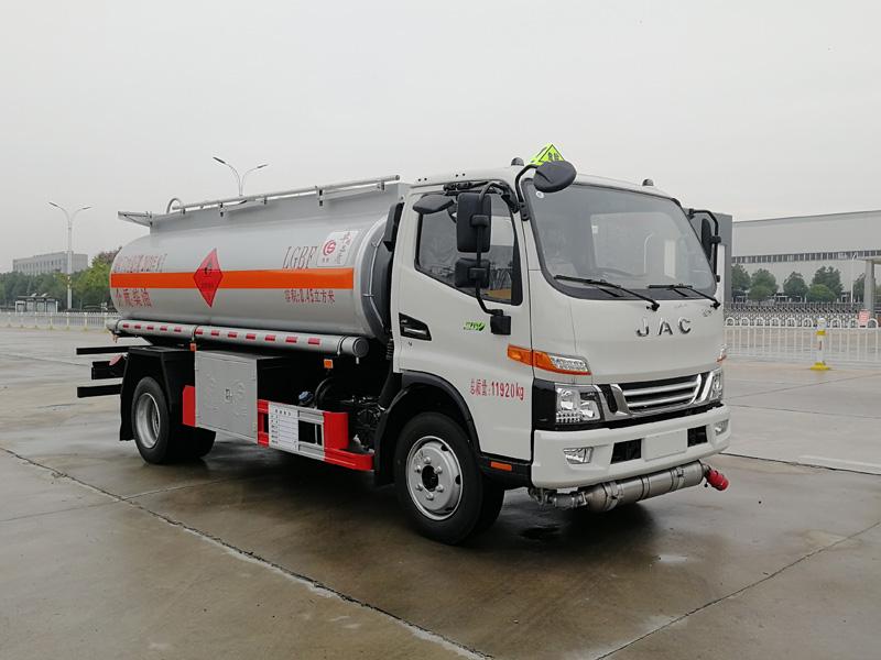 江淮国六8.45方加油 满载8吨柴油危险品罐式车全国质保