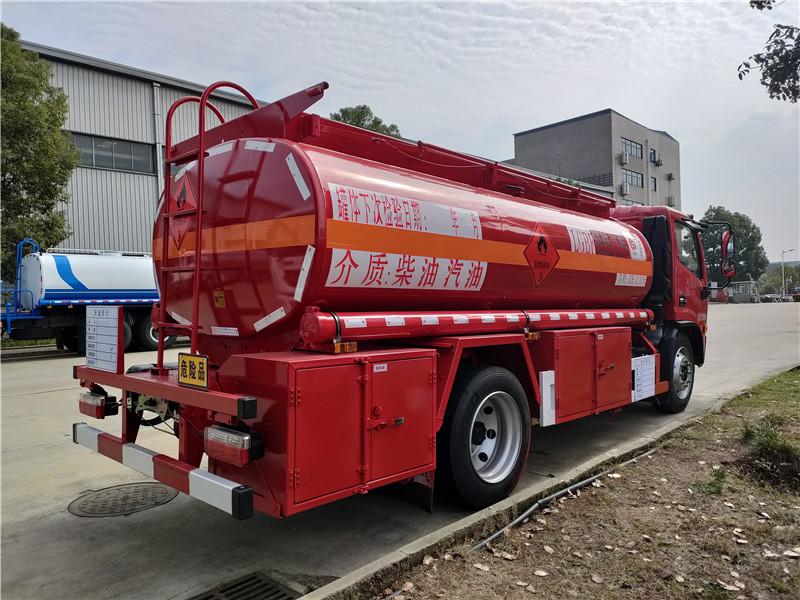 青岛户8吨油罐车带牌出售 国六东风福端卡8.5方加油车厂家批发价 送车到家
