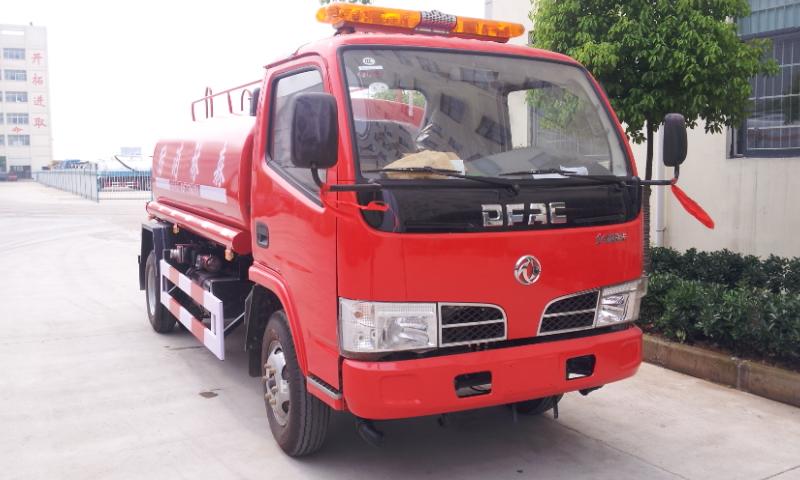 东风5吨消防洒水车5吨消防洒水车图片