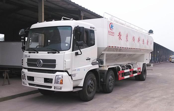 东风天锦小三轴饲料车30吨散装饲料车图片
