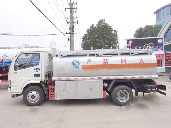 东风多利卡5吨油罐车东风油罐车图片