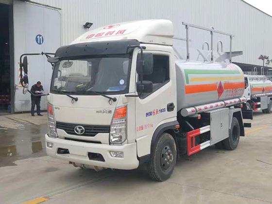 5吨小型加油车5吨加油车图片