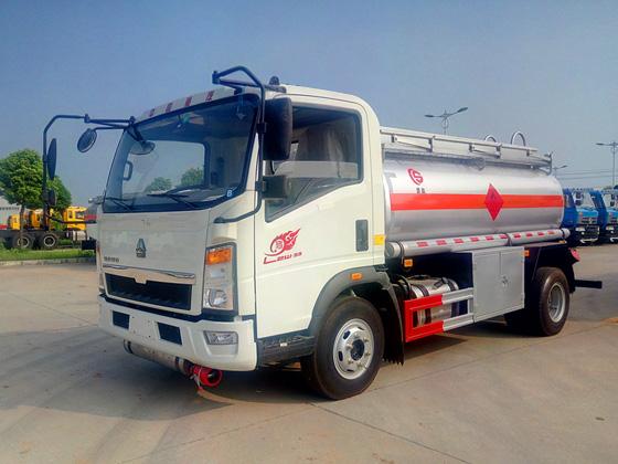 重汽轻卡5吨油罐车油罐车图片