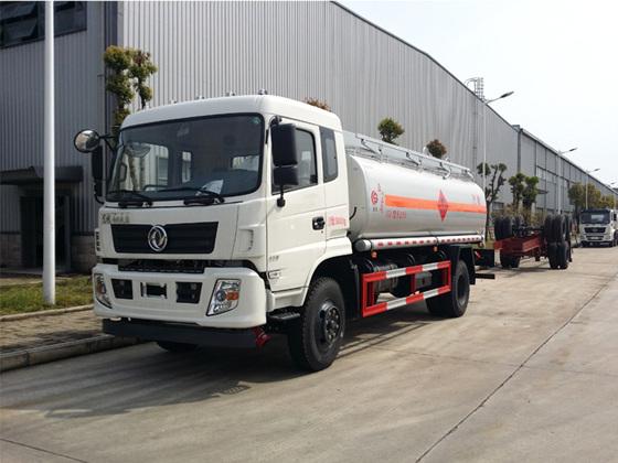 东风专底12吨加油车12吨加油车图片