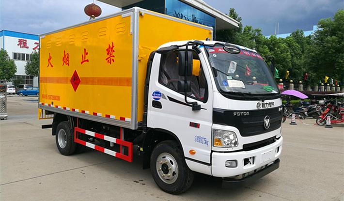 福田欧马可爆破器材运输车图片