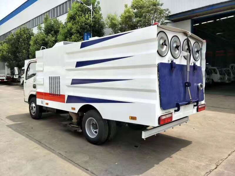 东风5方吸尘车5吨吸尘车图片