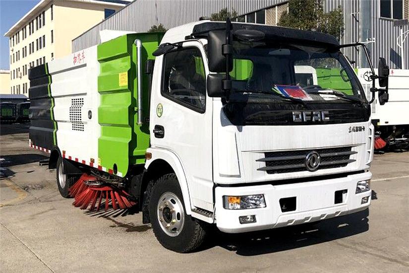 东风多利卡5吨扫路车扫路车图片