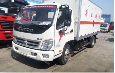 奥铃4.1米易燃液体厢式4.4吨运输车配置4米气瓶运输车图片
