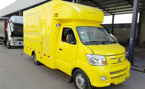 重汽王牌4X2小型售货车|售货车
