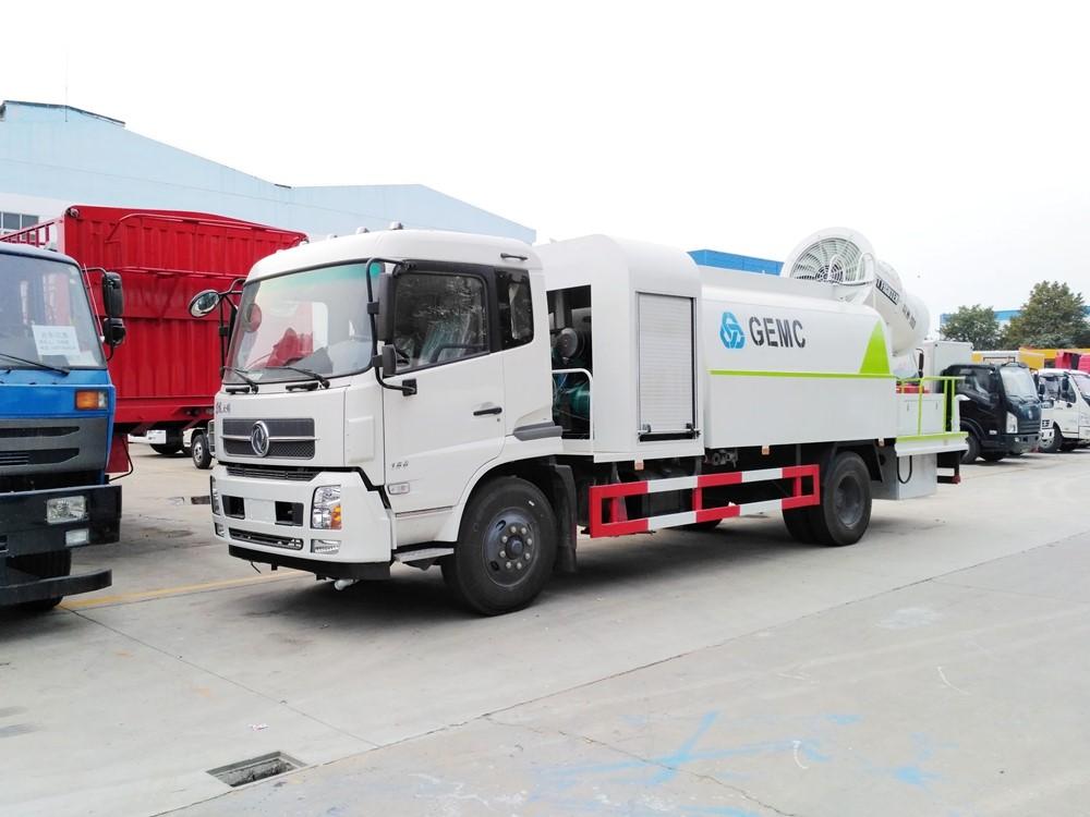 东风天锦10吨雾炮车图片
