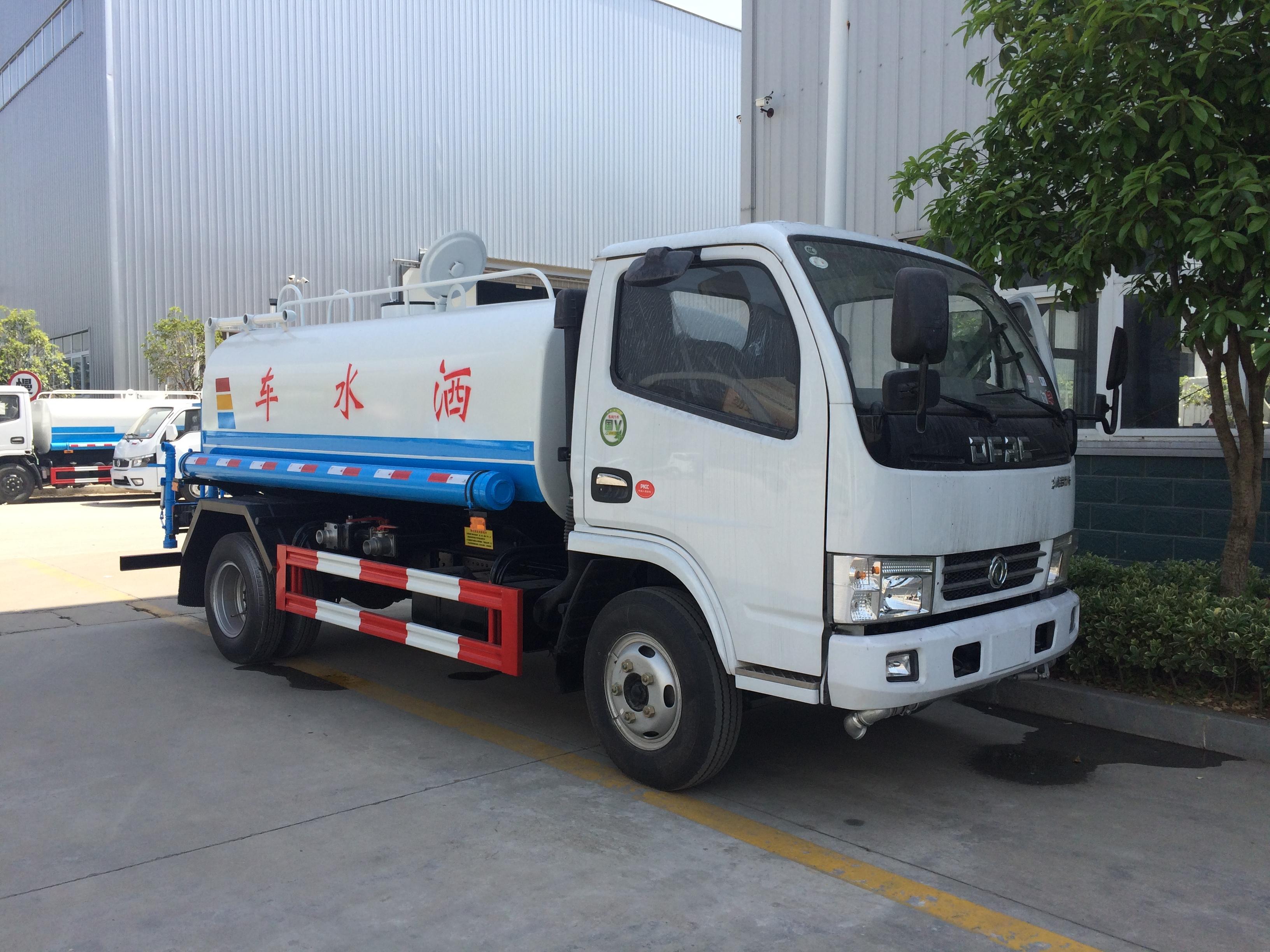 东风多利卡朝柴102马力5吨绿化洒水车图片