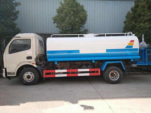国五东风多利卡 8吨洒水车8吨洒水车图片