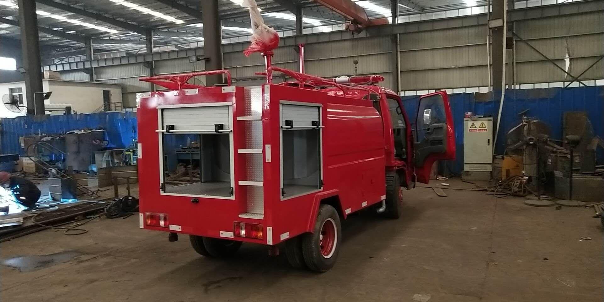 福田2吨消防洒水车图片