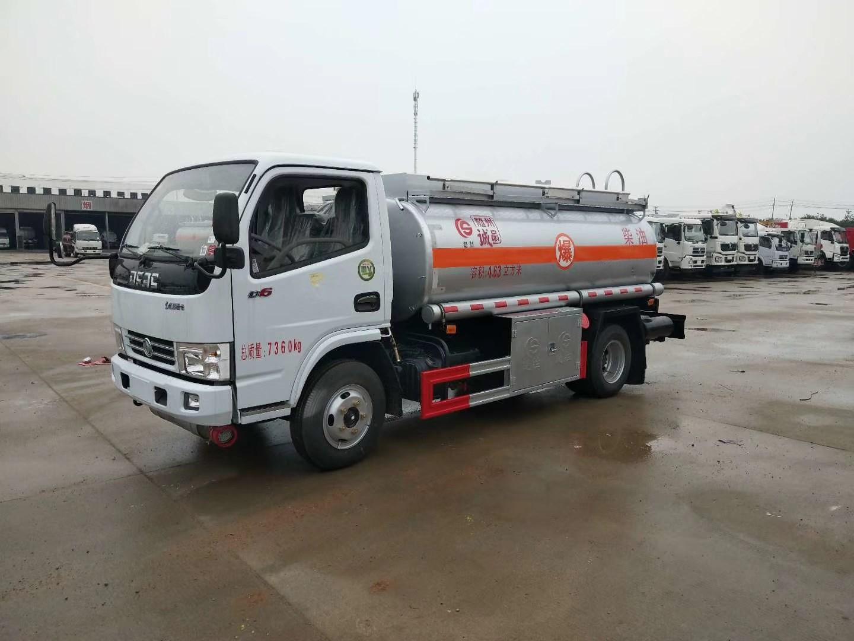 东风多利卡5吨运油车图片
