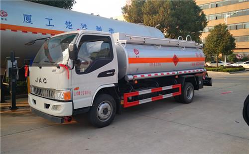 江淮骏铃6吨加油车加油车图片
