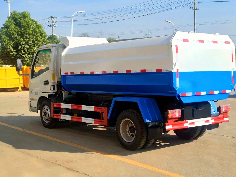 4方凯马挂桶垃圾车 柴油版图片