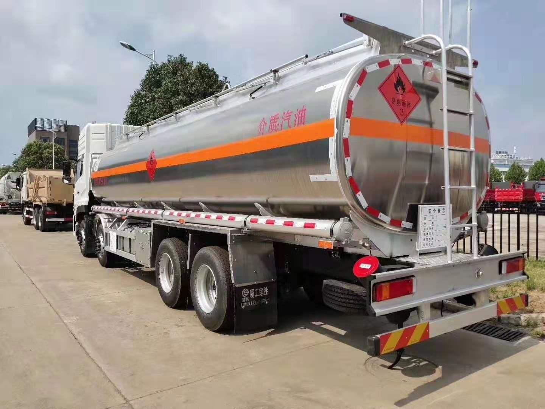 东风天龙铝合金28-30方运油车图片