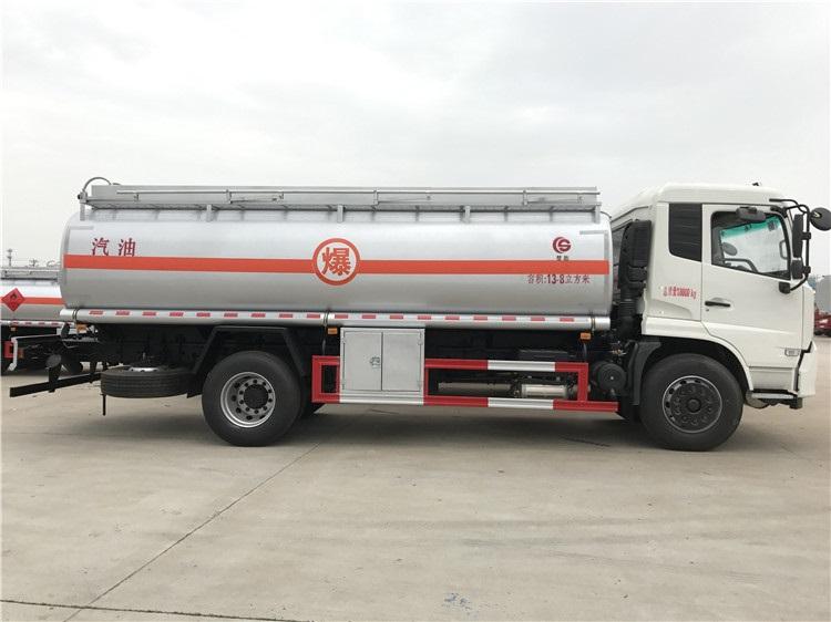 东风天锦加油车(12吨)图片
