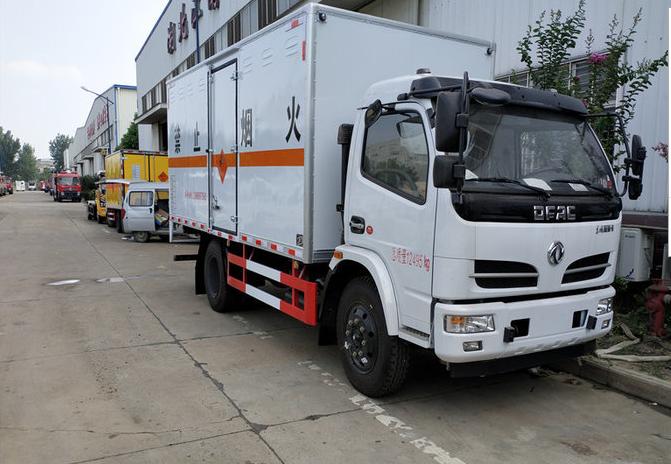 东风大多利卡5.1米防爆器材运输车图片