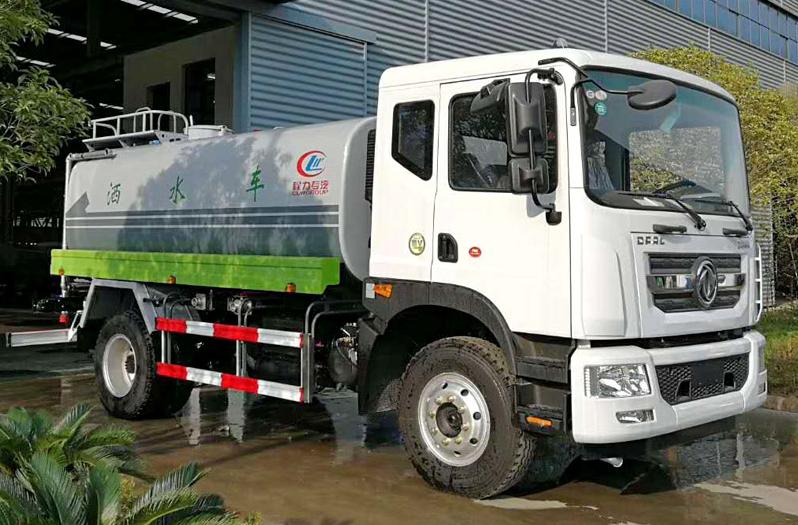 国六东风多利卡12方绿化喷洒车图片