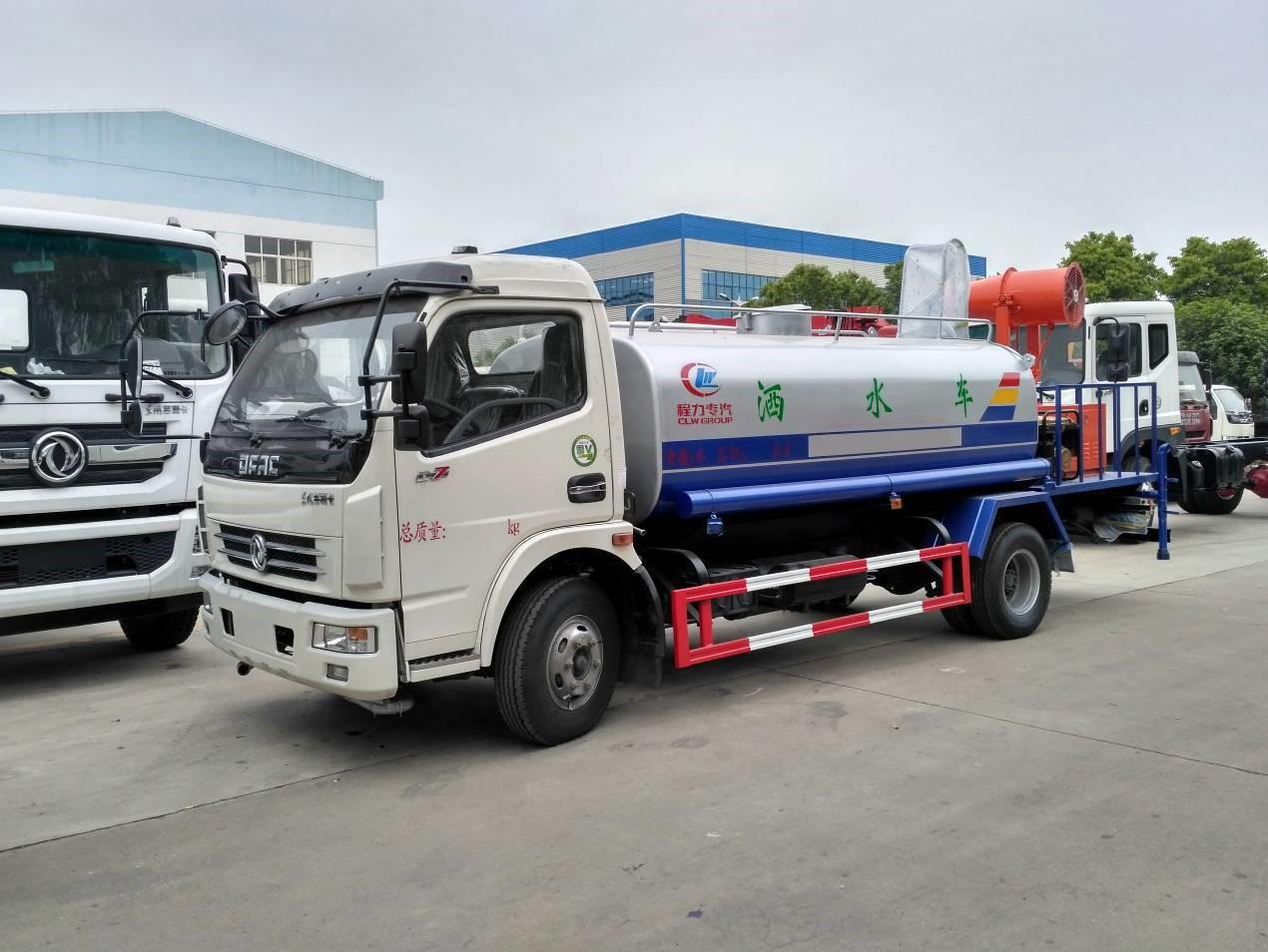 国五东风多利卡8吨洒水车8吨洒水车图片