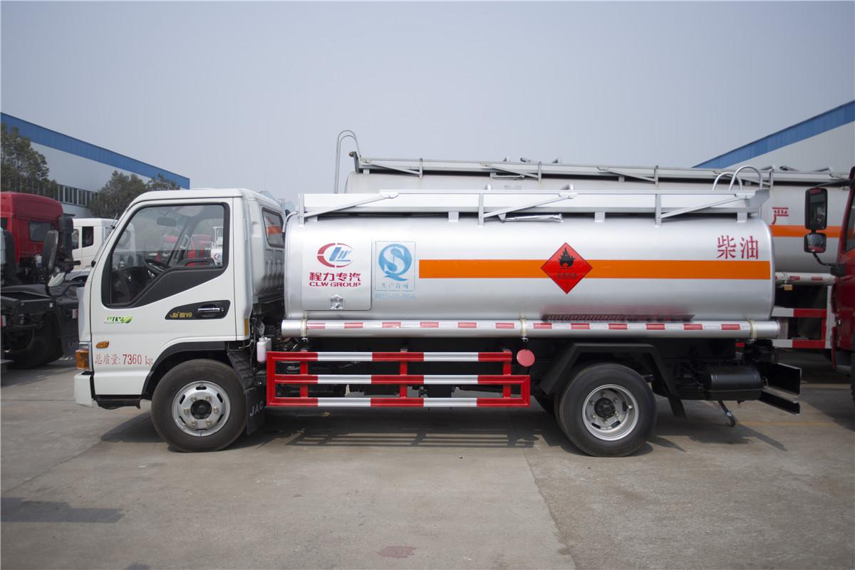 江淮骏铃5吨油罐车5吨油罐车图片