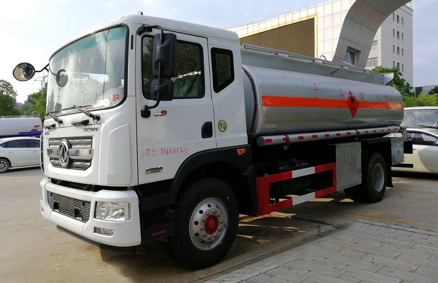 东风D9多利卡10吨油罐车图片