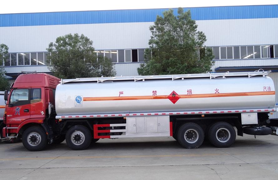 福田欧曼20吨21吨油罐车福田油罐车图片