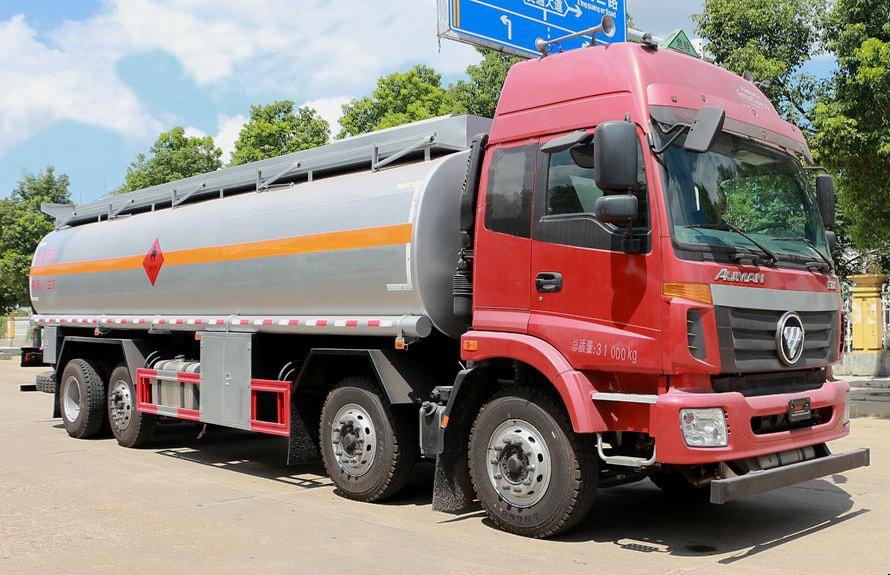 福田欧曼前四后六20-24吨油罐车图片