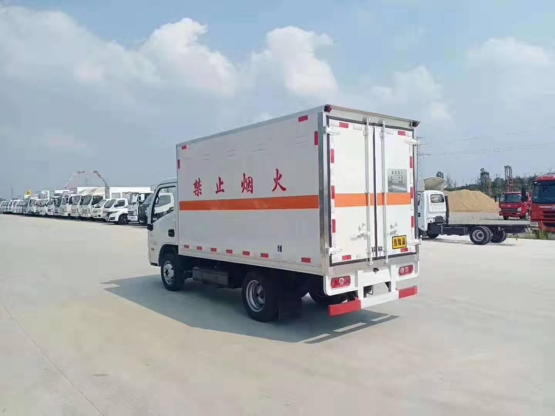 国六跃进小福星汽油3.3米易燃气体运输车图片