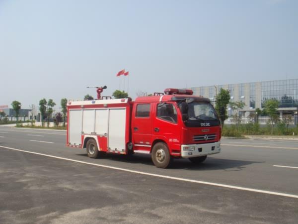 东风多利卡水罐消防车水罐消防车图片