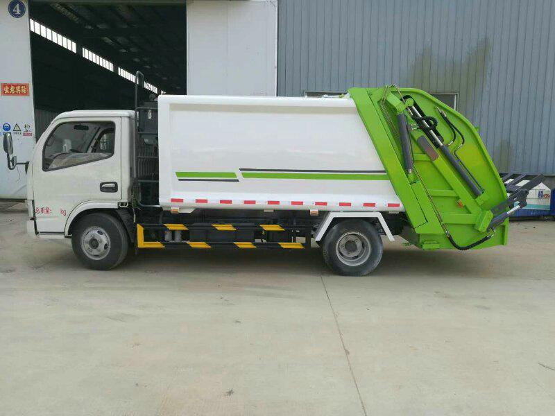 东风小多利卡6立方垃圾车-小型垃圾车最低什么价图片