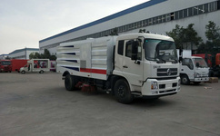 东风天锦大型扫路车报价-扫路车专业厂图片