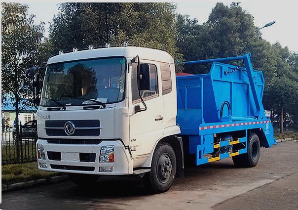 东风140摆臂垃圾车实地工作视频