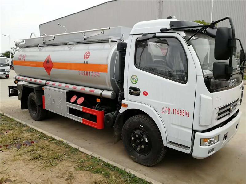 东风多利卡8吨油罐车加油车厂家地址 视频