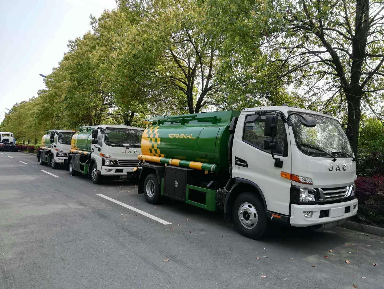 出口缅甸5方加油车,江淮5方加油车,中航奥龙上装图片
