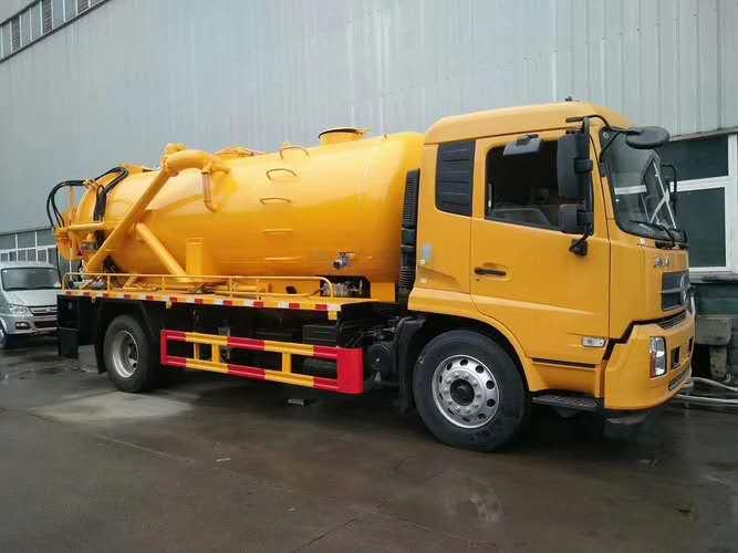 天锦清洗吸污车边泵 边挂水循环泵能吸几米