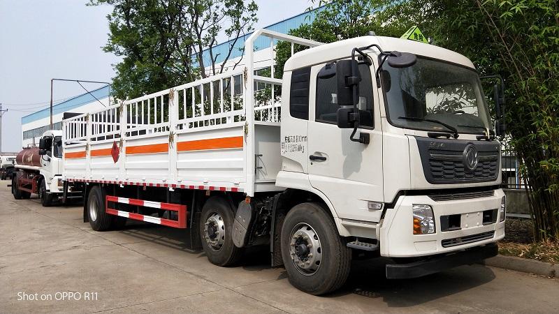 国六东风天锦小三轴8米6工业氧气瓶运输车价格配置 视频