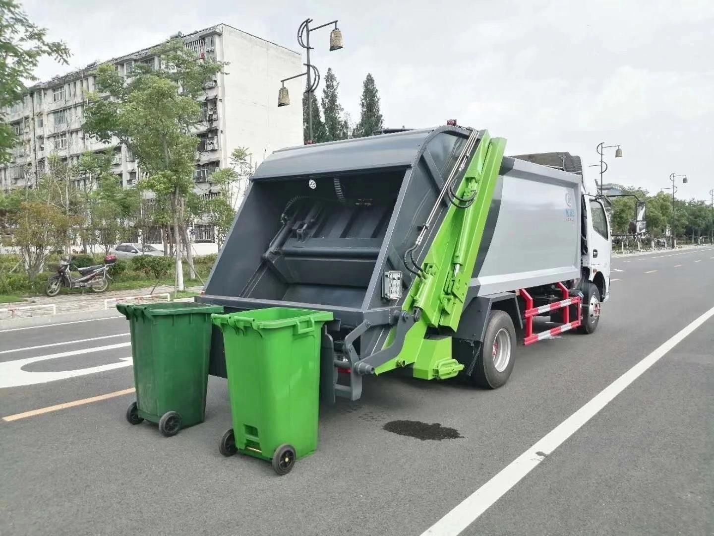 东风多利卡8方压缩垃圾车翻转机构展示