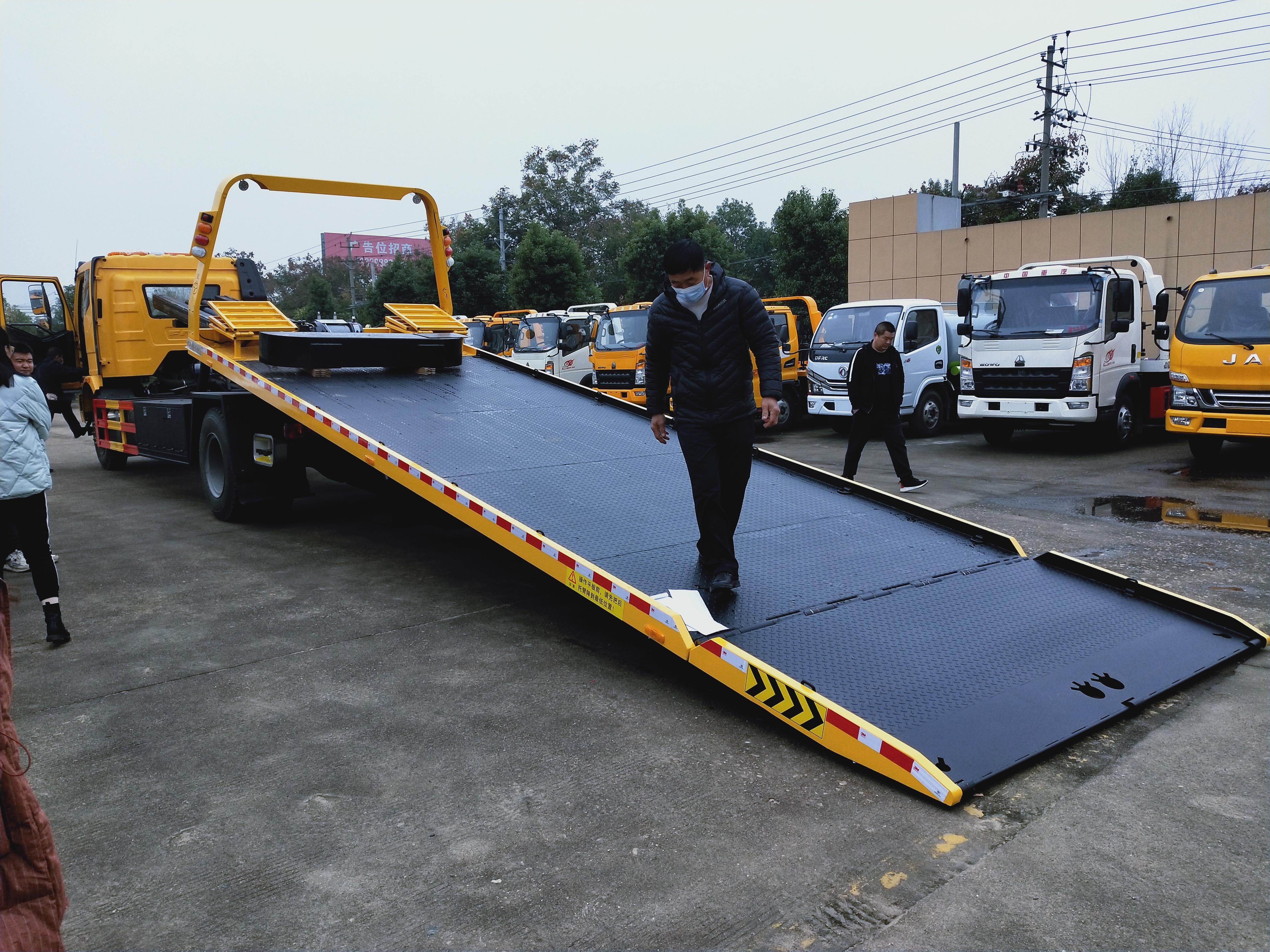 解放重载拖车8米多大平板清障车价格解放10吨上装操作视频
